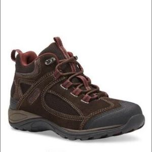Eastland Tacoma Mid-Trail Hiking Boot